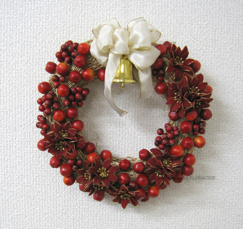 クリスマスリース 赤 木の実